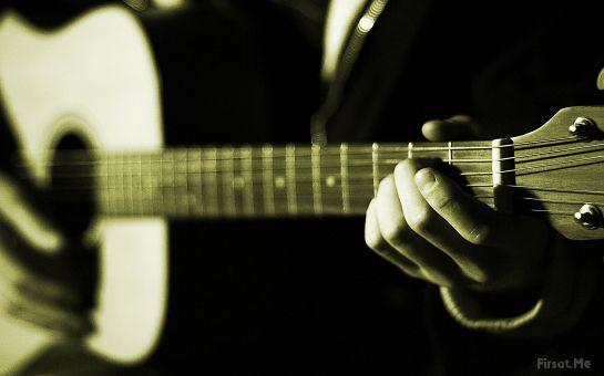 Klasik Gitar veya Akustik Gitar Çalmak Hiç Bu Kadar Kolay Olmamıştı! MetronoMusic'den, Ayda 8 Saatlik Klasik Gitar veya Akustik Gitar Kursu!