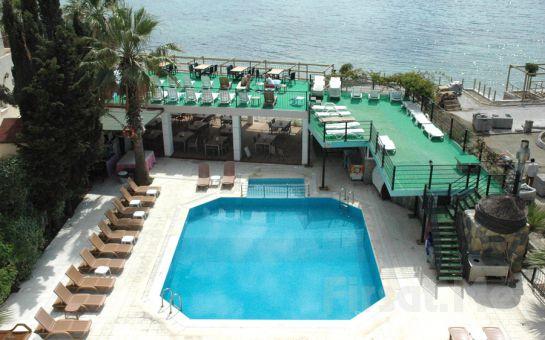 Bodrum Cemre Hotel'de 7 Gece 8 Gün Ulaşım Dahil Tatil!