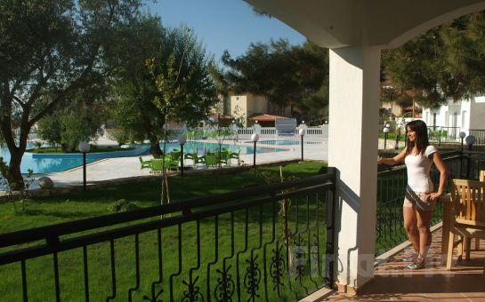 Ölüdeniz'in Yanıbaşında, Sunshine Holiday Resort Hotel'de Herşey Dahil Tatil Fırsatı