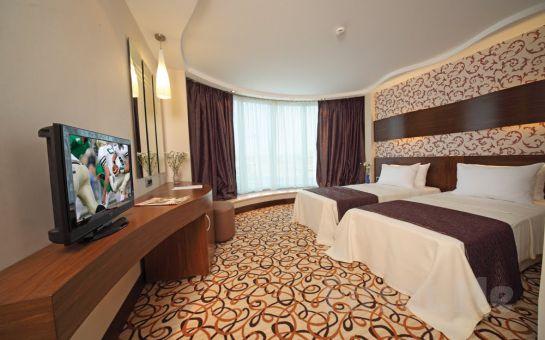 4 Yıldızlı Bayramoğlu NORTHSTAR HOTEL'de, Sevgililer Gününe Özel 2 Kişi 1 Gece Konaklama + Akşam Yemeği + Açık Büfe Kahvaltı Fırsatı!
