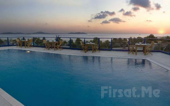 Şehrin Ortasında Huzurun Adresi Elite Hotel Küçükyalı'da 2 kişi 1 Gece Kahvaltı Dahil Konaklama + Kapalı Havuz + Spa Keyfi