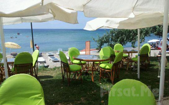 Sahil Kenarında Kahvaltı Keyfi Silivri Coast Beach'te Kahvaltı Tabağı veya Serpme Kahvaltı Fırsatı
