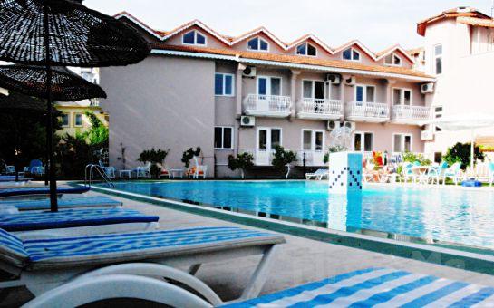 Dalyan Hotel Caria Royal'de 2 Kişi 1 Gece Oda + Kahvaltı veya Yarım Pansiyon Konaklama Fırsatı!