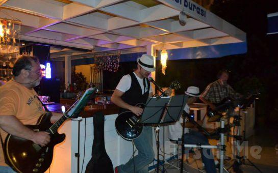 Büyükada Orası Burası Restaurant'ta, Adadan İstanbul Manzarası, Canlı Müzik, Leziz menü Eşliğinde Yılbaşı Partisi!