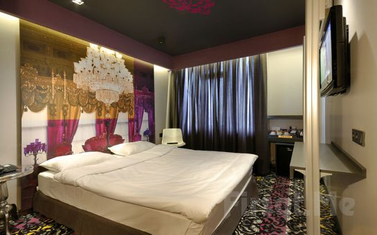 Taksim Pera Tulip City Hotel'de 2 Kişi 1 Gece Konaklama, Kahvaltı, SPA Keyfi