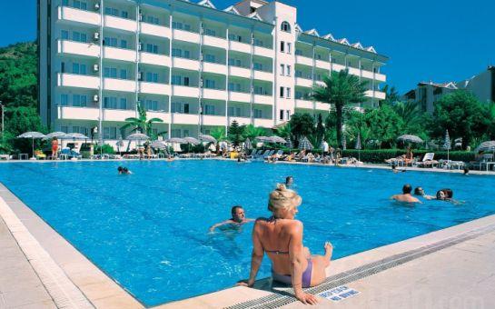 Marmaris Club Pineta Hotel'de 3,4,5 ve 7 Günlük Herşeydahil Ulaşımlı Tatil Paketleri!
