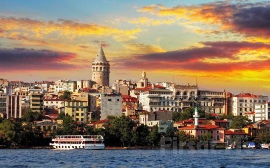 Lüfer Tekneleri ile Boğaz Turu ve Canlı Türk Sanat Tasavvuf Müziği Eşliğinde İftar Yemeği