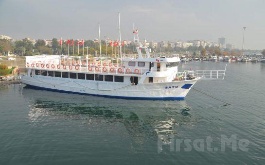 İzmir Şato Aşk Gemisi'nde Canlı Müzik ve Oryantal Showlar Eşliğinde 2 Kişilik Leziz Akşam Yemeği, Körfez Turu