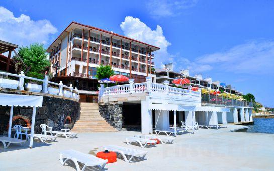Silivri Family Resort Hotel'de 2 Kişi 1 Gece Konaklama, Açık Büfe Kahvaltı, Akşam Yemeği Seçeneğiyle