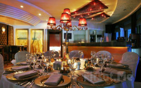 İstanbul Sürmeli Otel Kristal Balo Salonu'nda Canlı Müzik & Zengin Menü Eşliğinde Yılbaşı Balosu ve Konaklama Seçenekleri (Sınırsız İçki Dahil!)