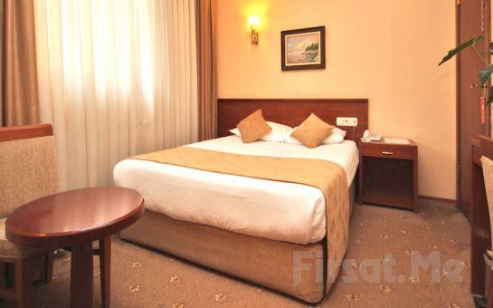 Golden Rest Hotel Kadıköy'de 2 Kişi 1 Gece Konaklama ve Kahvaltı Keyfi