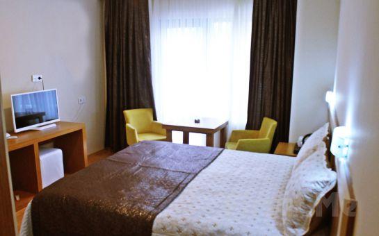 Darıca Emsa Palace Hotel'de 2 Kişi 1 Gece Konaklama, Açık Büfe Kahvaltı, Öğlen veya Akşam Yemeği, Darıca Faruk Yalçın Hayvanat Bahçesine Giriş Fırsatı