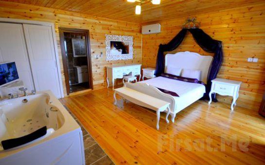 Ağva Teras Garden Hotel'de Jakuzili ve Şömineli Standart veya Bungalowlarda 2 Kişi 1 Gece Konaklama Ve Kahvaltı Keyfi