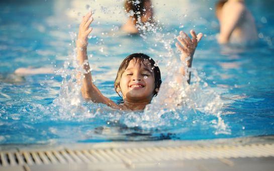 Egeria Park Hotel Kuşadası'nda Açık Büfe Kahvaltı ve Öğlen Yemeği Dahil Havuz Keyfi!