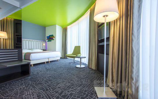 Park Inn by Radisson Istanbul Atatürk Airport'tun Konforlu Odalarında 2 Kişi 1 Gece Konaklama Keyfi, Kahvaltı Seçeneğiyle!