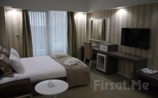 Eşsiz Göl Manzaralı Onis Hotel Sapanca'da 2 Kişi 1 Gece Konaklama ve Kahvaltı Keyfi