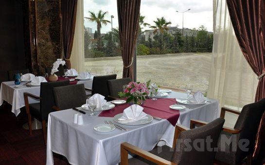 5* Kadak Garden Hotel Yenibosna'da Canlı Fasıl Eşliğinde Leziz Yemek Menüsü