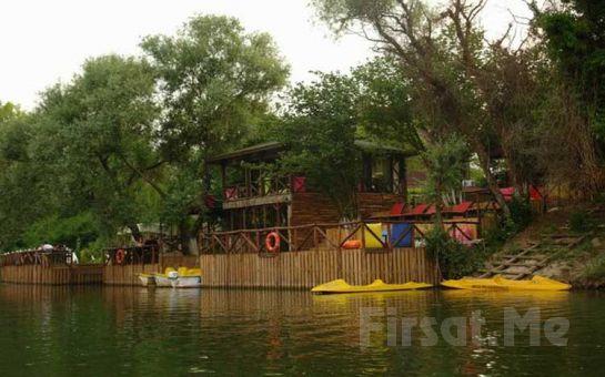 Göksu Nehri Kenarında Ağva Shelale Hotel'de Canlı Müzik Eşliğinde İçki Dahil Yılbaşı Gala Yemeği ve Konaklama Seçenekleri!