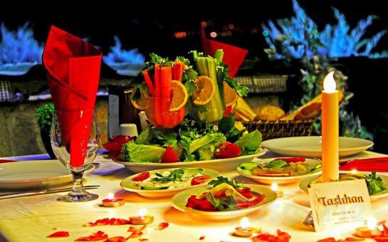 Boğaza Nazır Taşlıhan Restaurant'ta Zengin Menü Seçenekleri ile Sevgililer Günü Yemeği!