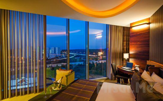 Ümraniye Rescate Hotel Asia'da Sevgililer Gününe Özel 2 Kişilik Gala Yemeği ve Konaklama Seçenekleri!