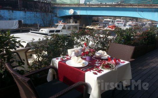 Anadolu Hisarı'nda Aşk Başkadır! Göksu Nehir Restaurant'ta Sevgililer Gününe Özel Canlı Müzik Eşliğinde Akşam Yemeği!