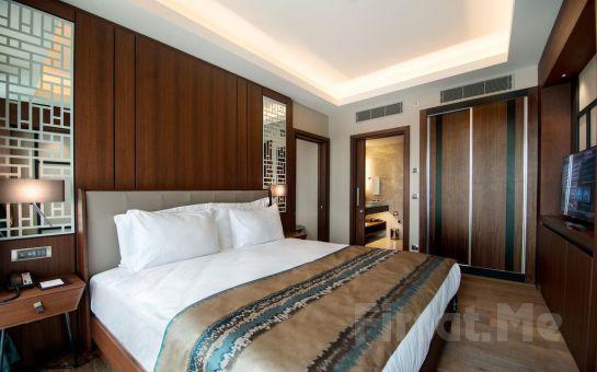 Haliç Clarion Hotel Golden Horn'da Atrium veya Haliç Manzaralı Odalarda 2 Kişi Gece Konaklama Keyfi!