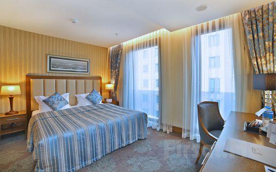 Adelmar Hotel Şişli'de Standart veya Deluxe Odalarda Konaklama Keyfi Kahvaltı Seçeneğiyle!
