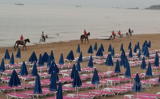 Atlıtur Gümüşdere Plajı Tesislerinde Kumsalda At Binme, Plaj Girişi, Gözleme ve Ayran fırsatı!
