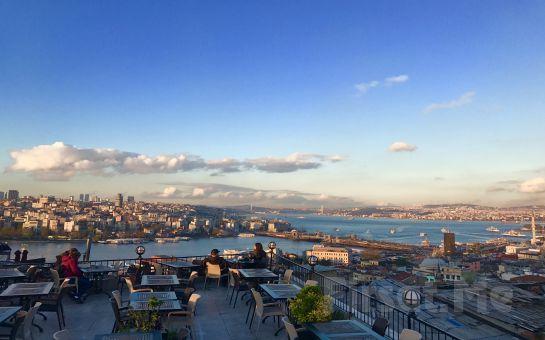 Mihrişah Cafe Süleymaniye'de Deniz Manzarası Eşliğinde Leziz Serpme Kahvaltı Keyfi