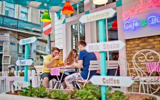 Hayal Adası Prinkipos'ta Sınırsız Çay Eşliğinde Haftanın Her Günü Zengin İçerikli Açık Büfe Kahvaltı!