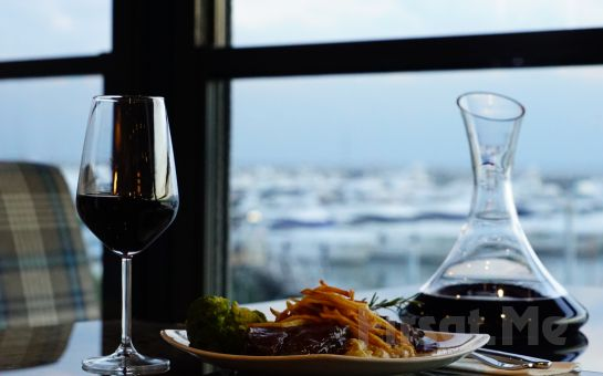 Chocolate Bistro & Bar West Marina'da Deniz Manzarası Eşliğinde Şarap Dahil 2 Kişilik Leziz Yemek Menüsü