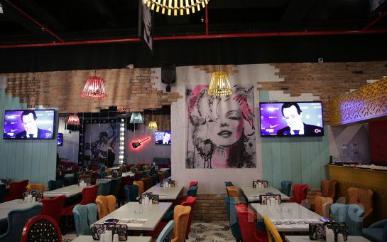Cafe Hollywood City Ataşehir'de Sınırsız Çay Eşliğinde Kahvaltı Seçenekleri