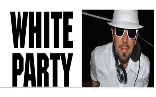 Beyoğlu Sanat Performance'ta 21 Haziran'da White Party DJ Hakan Küfündür Açık Hava Konser Bileti