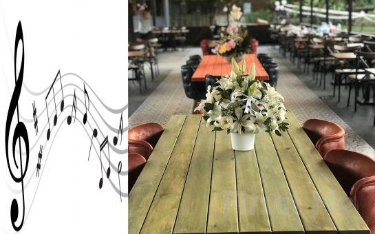 Riva Baraka Köyü'nde Canlı Müzik Eşliğinde Leziz Yemek Menüsü