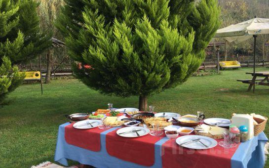 Cumhuriyetköy Bozhane Green Park'ta Doğa ile İç İçe Serpme Kahvaltı Keyfi