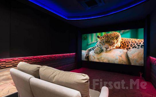 Cine House İzmir'de Özel Sinema Odasında 2 Kişilik Romantik Sinema Keyfi
