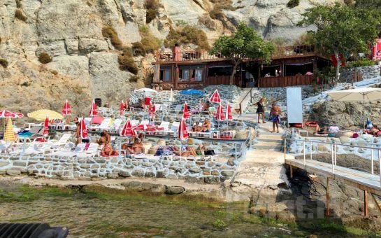 Zuğa Beach Cafe Kilyos'ta Plaj Girişi Dahil Kahvaltı ve Leziz Yemek Seçenekleri