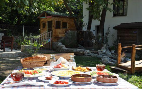 Sapanca Gönül Sofram Restaurant'ta, Doğanın Güzelliği İçerisinde Enfes Lezzetlerden Oluşan Sınırsız Serpme Köy Kahvaltısı