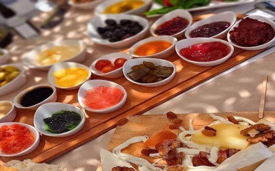 Bodrum Masalevi Gümüşlük Restaurant'ta Sınırsız Çay Eşliğinde Enfes Serpme Kahvaltı Keyfi