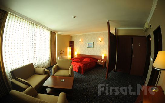 Marmara Denizi ve Adalar Manzarasına Sahip Emex Hotel Kartal'da 2 Kişi 1 Gece Konaklama + Kahvaltı Keyfi!