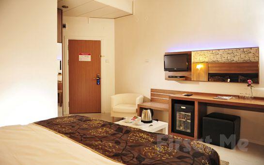 Tanık Hotel izmir'de 2 Kişi 1 Gece Konaklama, Kahvaltı Keyfi