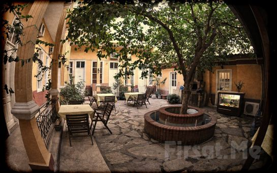 Huzurun Adresi Antikhan Otel İzmir'de 2 Kişi 1 Gece Konaklama + Kahvaltı Keyfi!