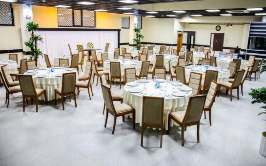 Darıca Emsa Palace Hotel'de Leziz Izgara Menü + Darıca Faruk Yalçın Hayvanat Bahçesine Giriş Fırsatı!