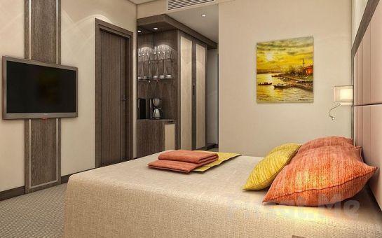 Clarion Airport Hotel İstanbul Mahmutbey'de 2 Kişi 1 Gece Konaklama, Kahvaltı Seçeneğiyle