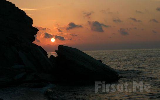 Günbatımı Otel Akçakoca'da Deniz Kenarında 2 Kişi 1 Gece Konaklama ve Kahvaltı Keyfi!