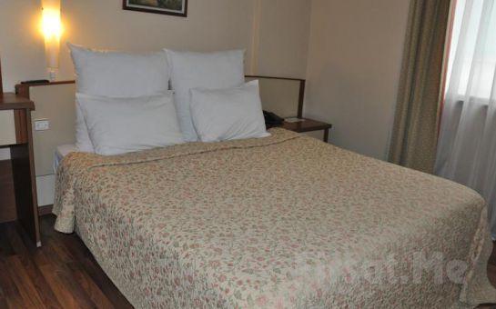 Diapolis Otel Akçakoca'da Deniz Kenarında 2 Kişi 1 Gece Konaklama ve Kahvaltı Keyfi