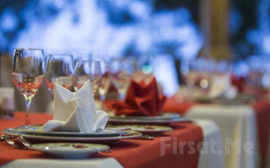 Kemer Catamaran Resort Hotel'de Gidiş Dönüş Uçak Bileti Dahil Her Şey Dahil Erken Rezervasyon Tatil Paketleri