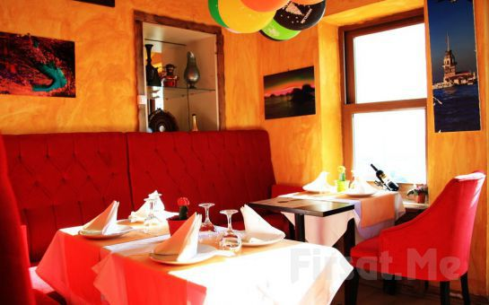 Deniz Manzaralı Sultanahmet Marbella Cafe Restaurant'ta Balık veya Izgara Menüleri