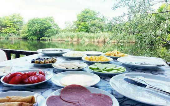 Riva'da Muhteşem Köy Kahvaltısına Var mısınız? Riva Restoran'da, Doğanın Güzelliği İçerisinde Enfes Lezzetlerden Oluşan Serpme Köy Kahvaltısı
