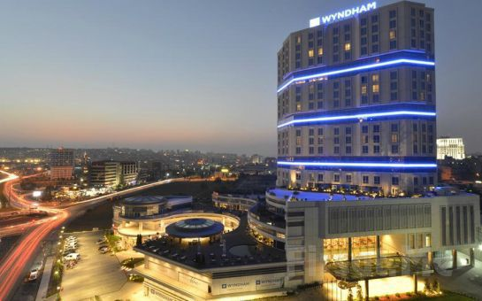 Wyndham Grand İstanbul Europe Güneşli'de Deluxe Konaklama + Kahvaltı + Akşam Yemeği + Spa Keyfi!